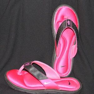 Nike Size 6 Thong Flip Flops Comfort Foot Bed